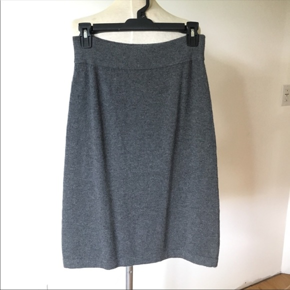 ad97eaf9cca085 Allude Cashmere Skirt. Allude. M_5b303a9145c8b3d965a7a571.  M_5b303a93a31c337f2309b1bd. M_5b303a9634a4ef3aff0cfaa9